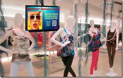 digital signage ejemplo tienda