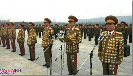 Militares con galones